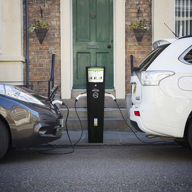 Autocharge on street EV charging by EV Camel